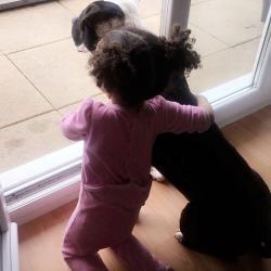 Zango, le chien de Ornella avec sa fille