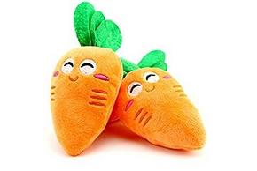 2 peluches en forme de carotte
