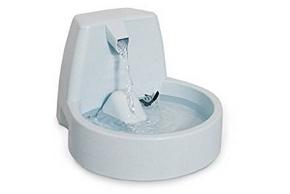 Fontaine a eau blanche pour chien